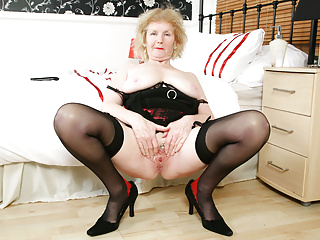 English gilf Pearl reveals her well-kept secret