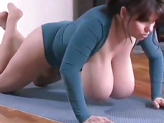 i love big titts in move