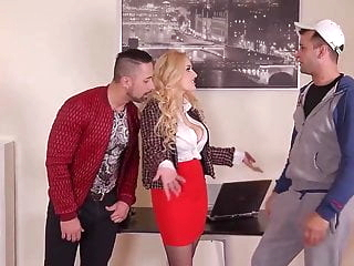Czech Milf Threesome