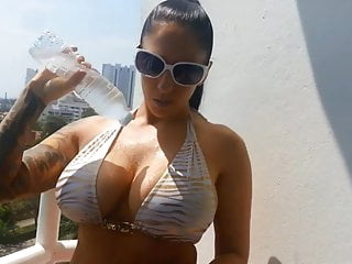 Busty Bitch getting Wet