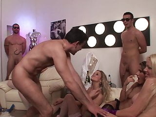 Rich big dick guys & Cougar Big Tits MILF golddigers party